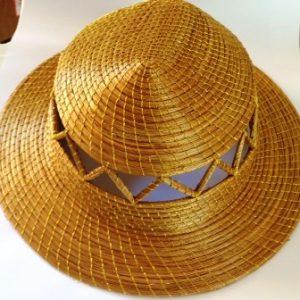 Chapéu com Detalhes Vazados