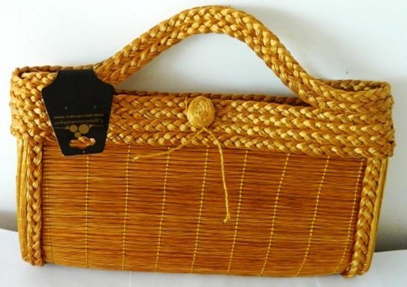 BO03-Bolsa  em capim dourado de Festa Fecho com Zíper