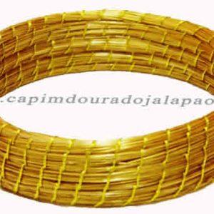 Pulseira Costurado com Fio Dourado