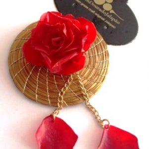 Broche em capim dourado modelo flor com pingente vermelho
