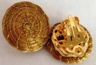 BR66-Brinco com base pressão em capim dourado