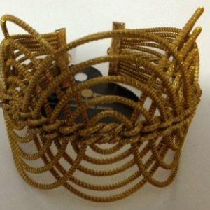PL97-Pulseira em capim dourado modelo  elos