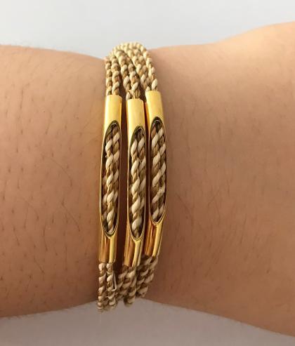 PL 109-Pulseira de capim dourado e seda de burití