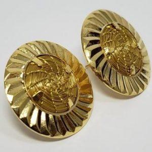 Brinco  mandalinha em capim dourado e metal